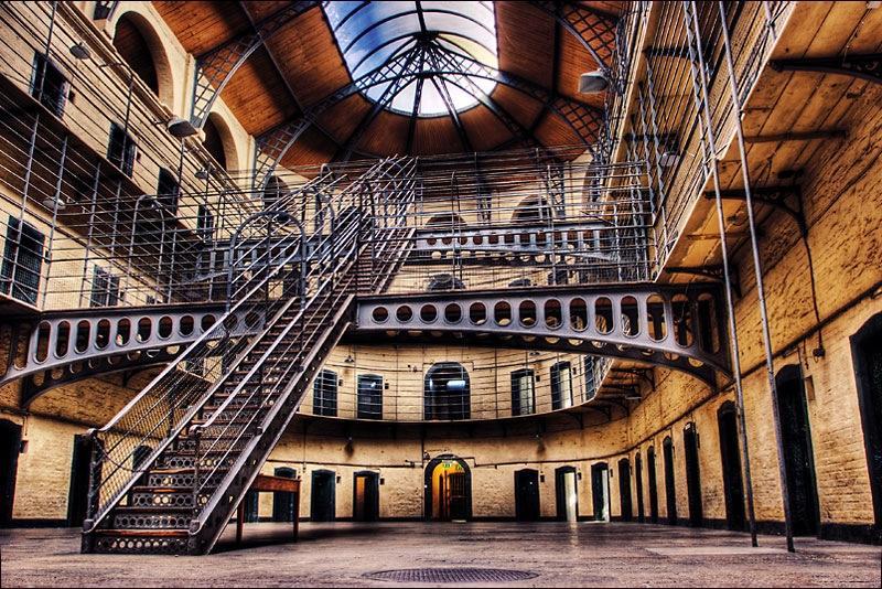visiter prison